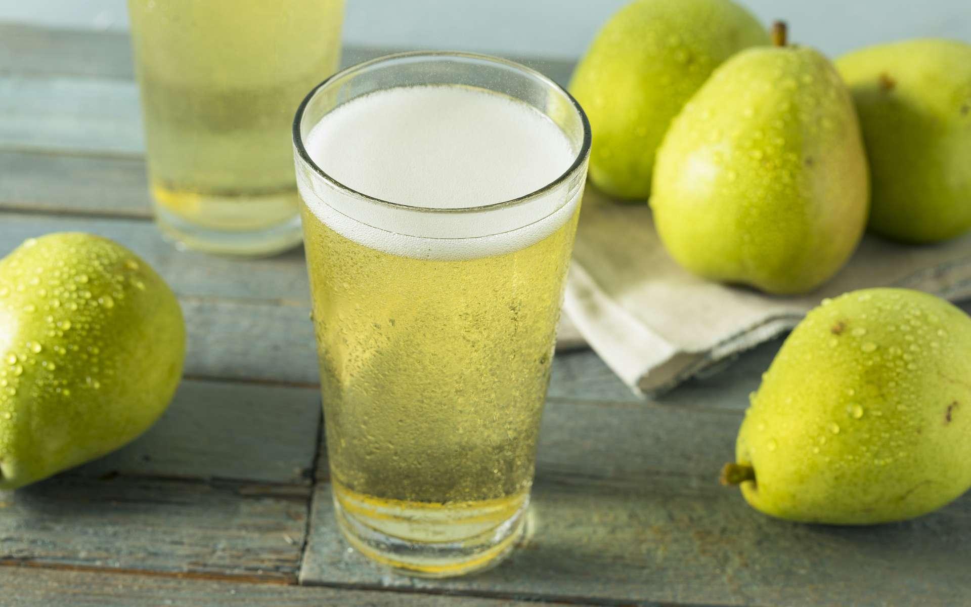 La poire dope la production d'enzymes qui dégradent l'alcool dans l'organisme. © Brent Hofacker, Adobe Stock