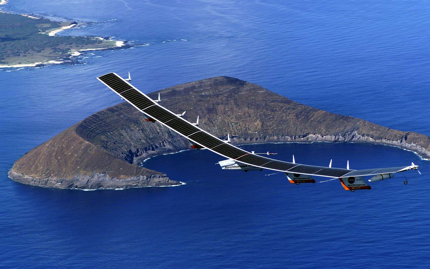 …toujours plus haut. Désormais, c'est l'aviation qui cherche à devenir plus verte, car si elles reste dépendante du pétrole, elle risque de se retrouver clouer au sol. Efficacité énergétique, agrocarburant, gaz naturel et même énergie solaire, elle tente tout, comme le montre ce vol du Centurion, l'avion solaire de la Nasa. Crédit: Nasa/Brent Wood