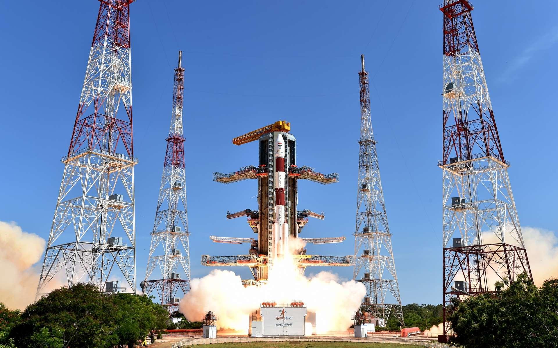Le 22 juin 2016, l'Inde lançait 20 satellites en une seule fois. Début février 2017, elle battra son propre record et aussi le record mondial en envoyant 103 satellites en un seul lancement. © Isro