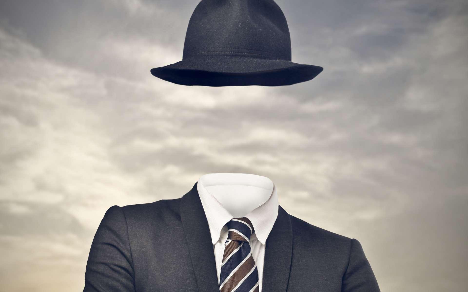 Griffin découvre une formule qui lui permet de devenir invisible. Il devra cacher son secret sous un chapeau, des bandages et des lunettes. © Olly, Fotolia