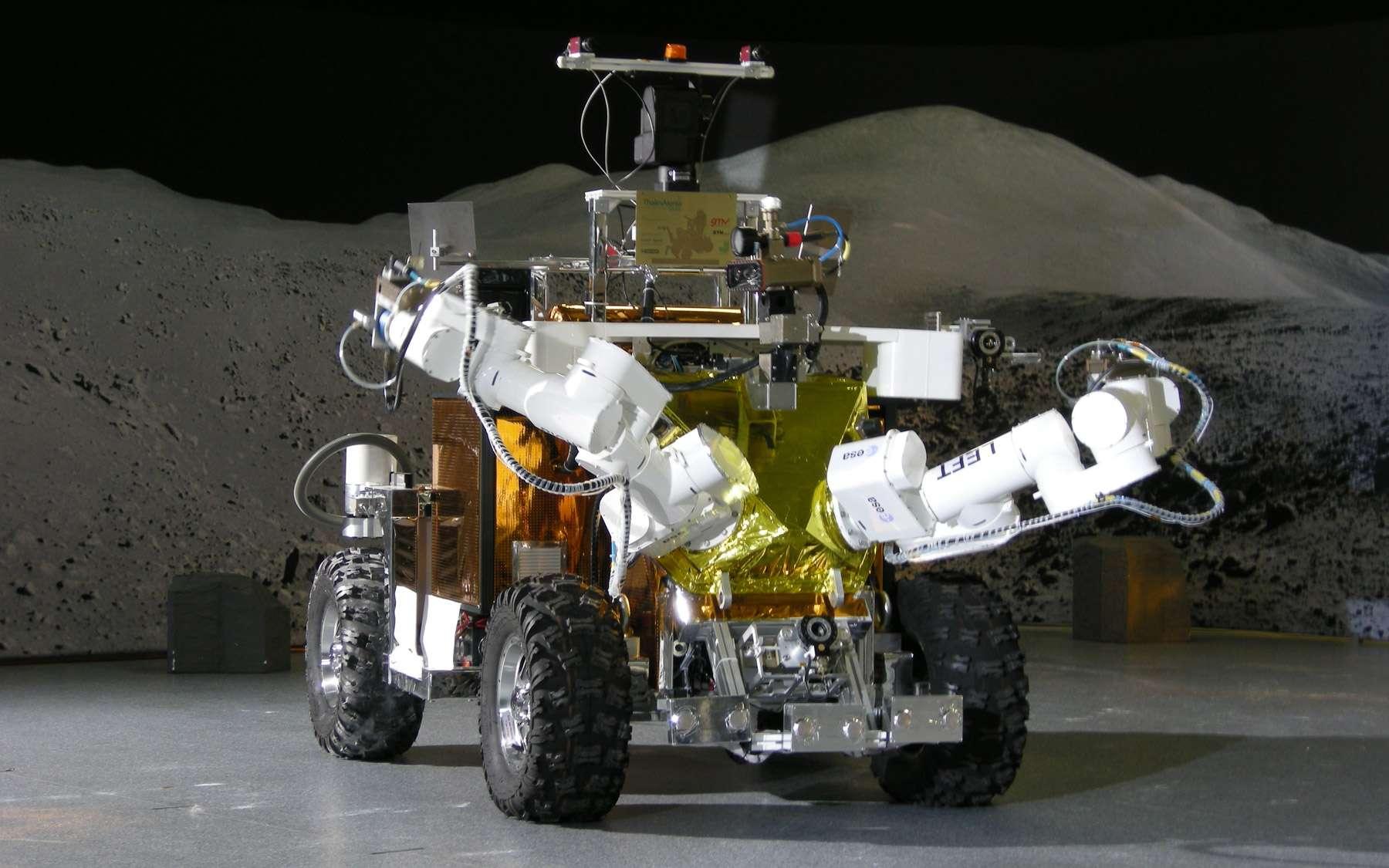 L'architecture de l'EGP met en œuvre le concept du centaure qui consiste en une plate-forme mobile (EGP-Rover) surmontée d'un robot anthropomorphe (EGP-Robot). Crédit Thales Alenia Space