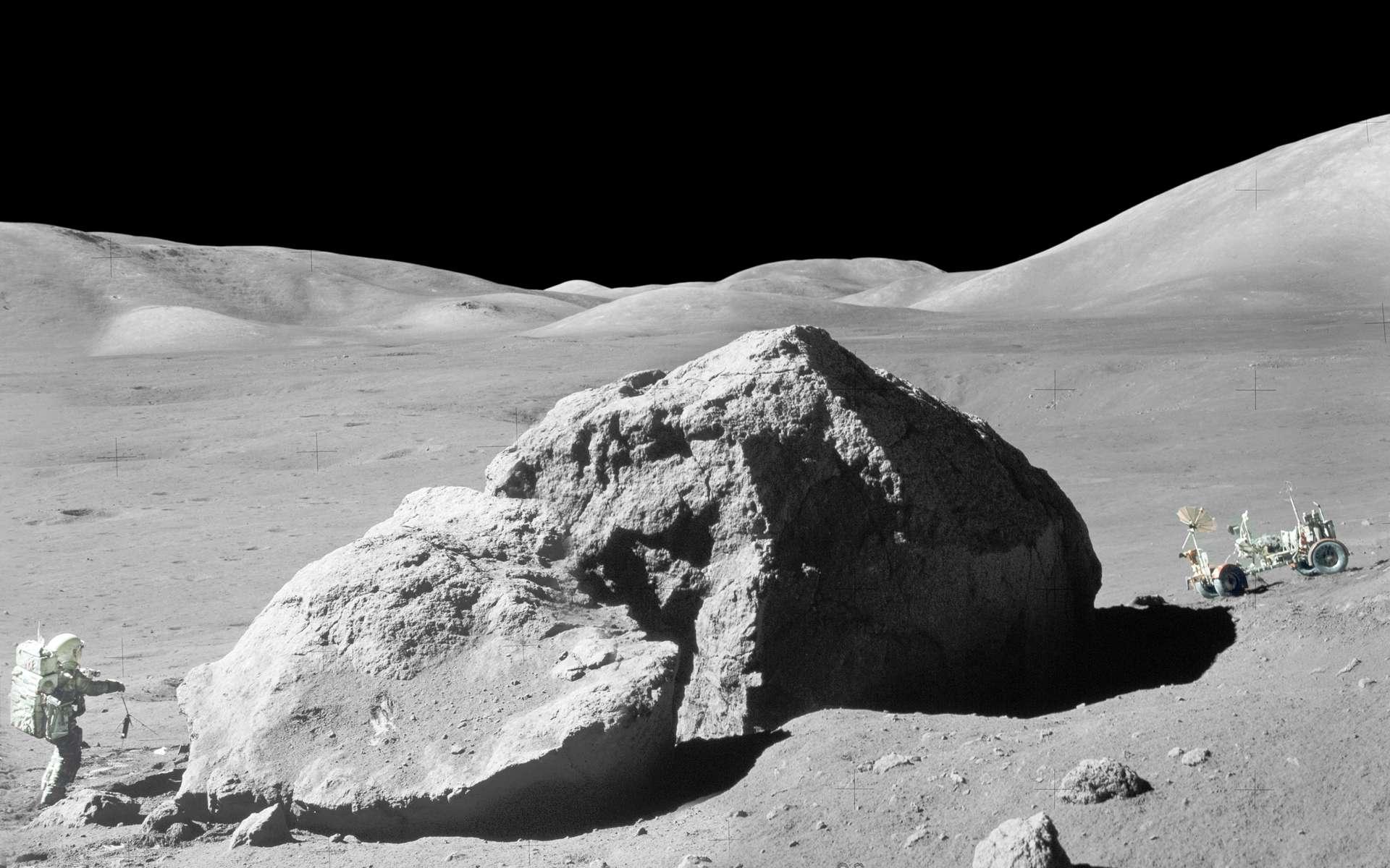 Une célèbre vue du géologue Harrison Schmitt proche du rocher de Tracy lors de la mission Apollo 17. © Nasa