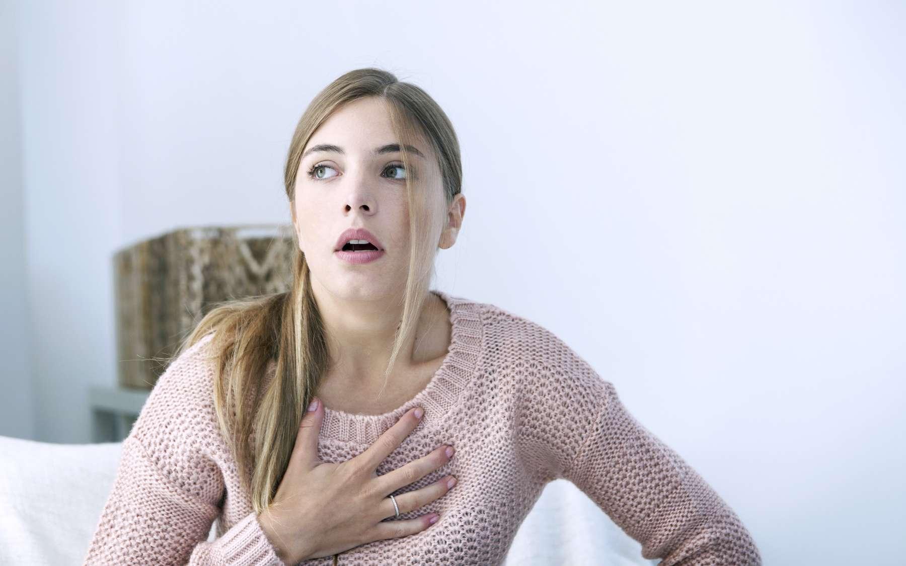 L'insuffisance respiratoire se traduit par une dyspnée et une cyanose. © RFBSIP, Adobe Stock
