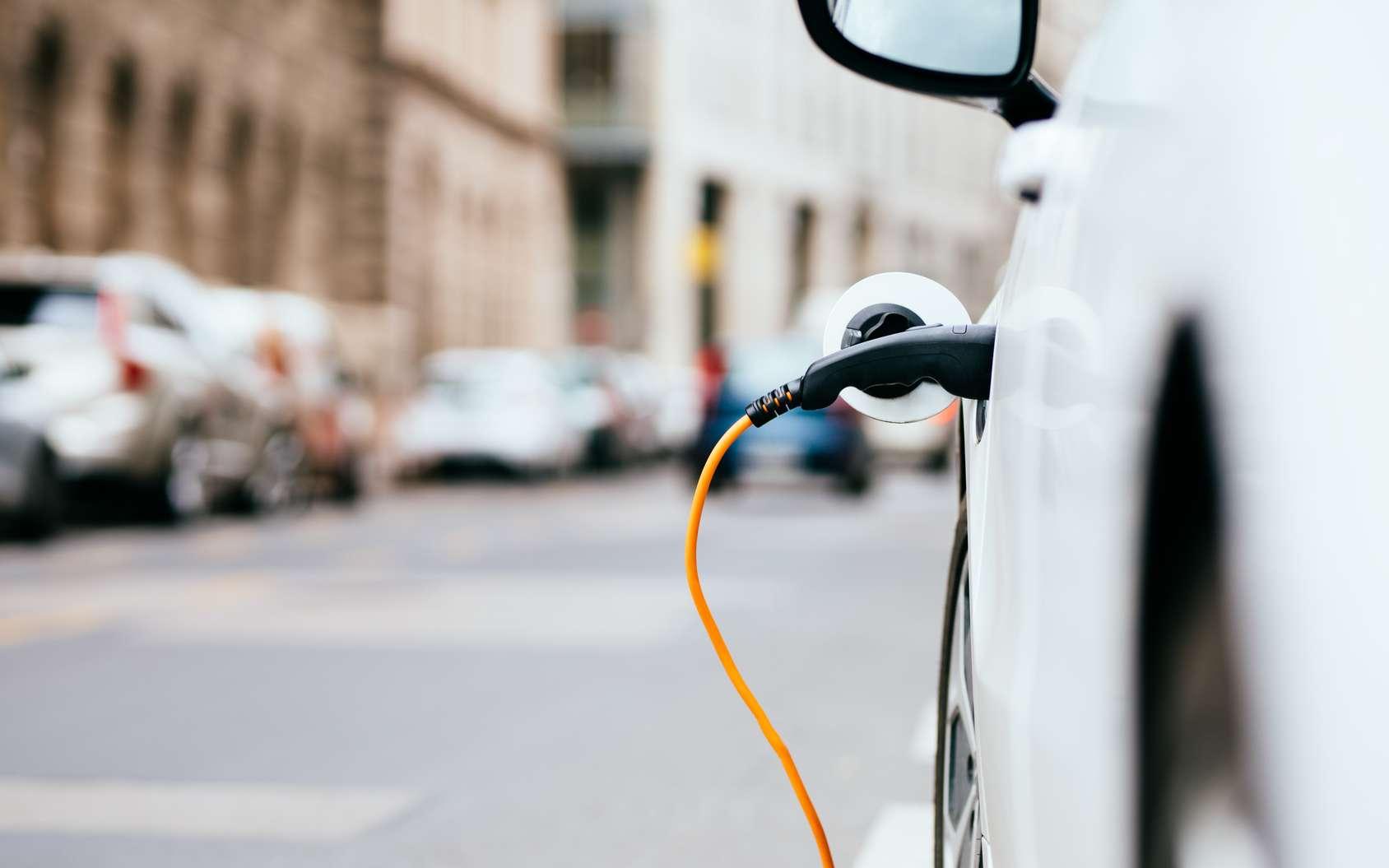 Le consortium Ionity, formé par BMW, Daimler, Ford et Volkswagen, est ouvert aux autres constructeurs automobiles. Le but est de créer un réseau de recharge ultra-rapide pour les véhicules électriques. © Baranq, Fotolia