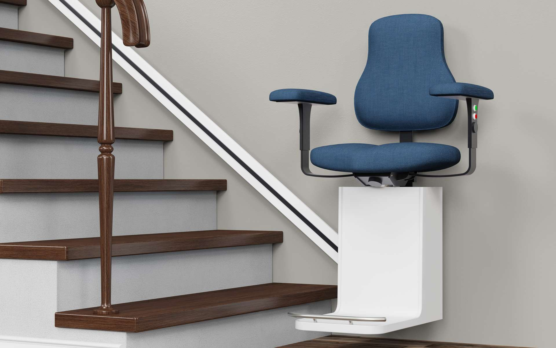 Pourquoi faire poser un monte-escalier électrique ? © Robert, Adobe Stock