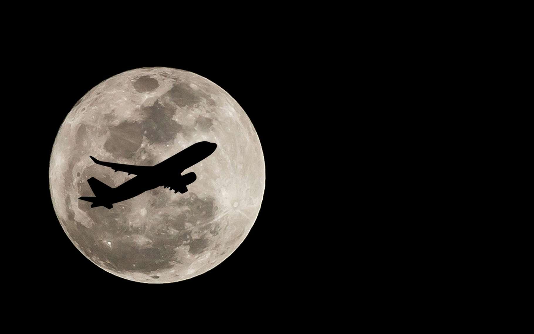 La super Lune du 14 novembre 2016. © Freedom_Studio, shutterstock