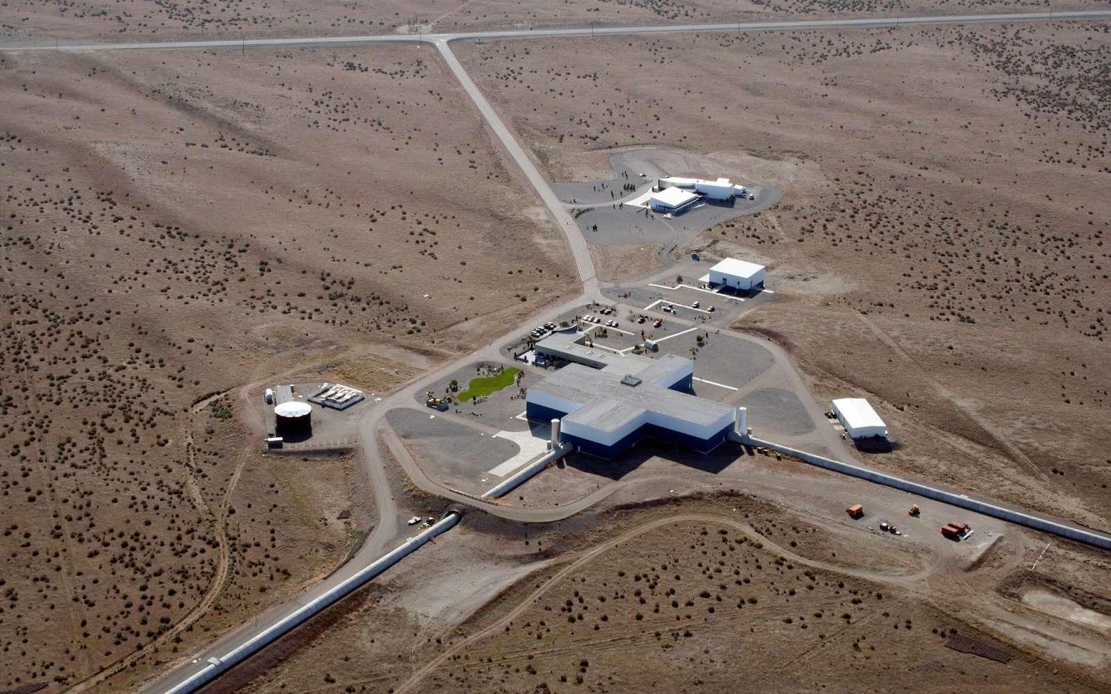 Une vue de l'un des détecteurs d'ondes gravitationnelles de la collaboration Ligo. Il se trouve à Hanford aux États-Unis, dans l'État de Washington. © Caltech, MIT, Ligo Lab
