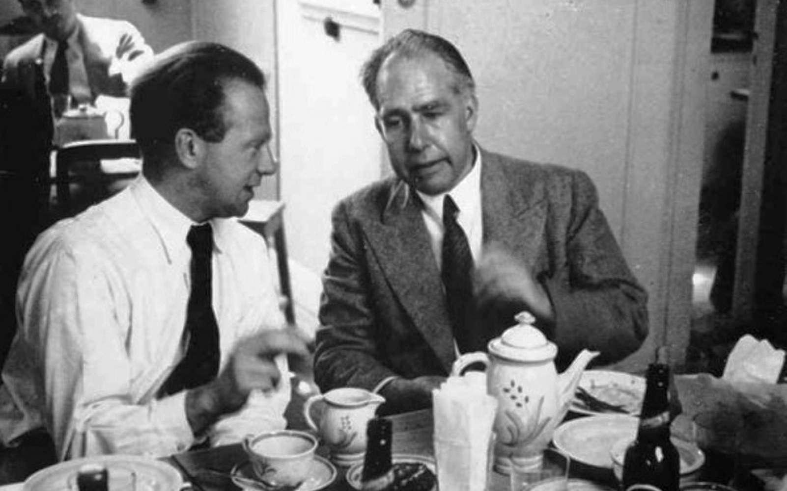 De gauche à droite, Werner Heisenberg et Niels Bohr en 1934. © Fermilab, U.S. Department of Energy
