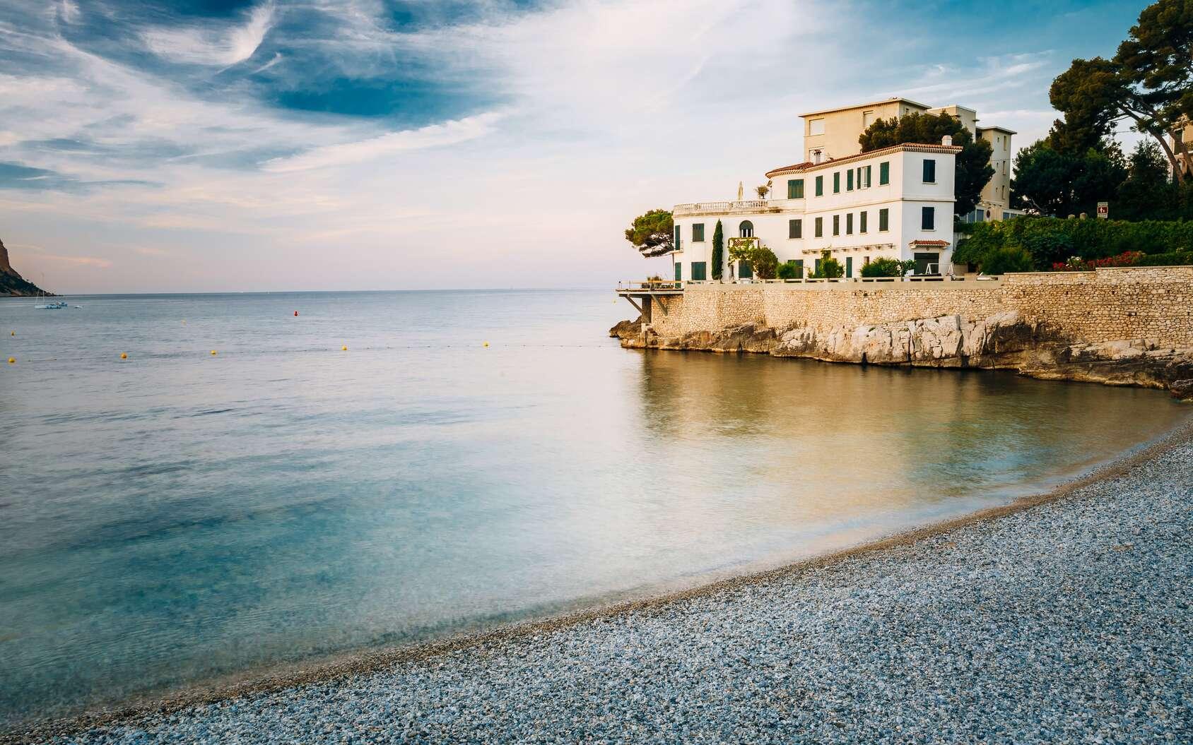 Pourquoi la marée en Méditerranée n'est-elle pas perceptible ? Photo prise près de Cassis, en Méditerranée. © Grigory Bruev, Fotolia