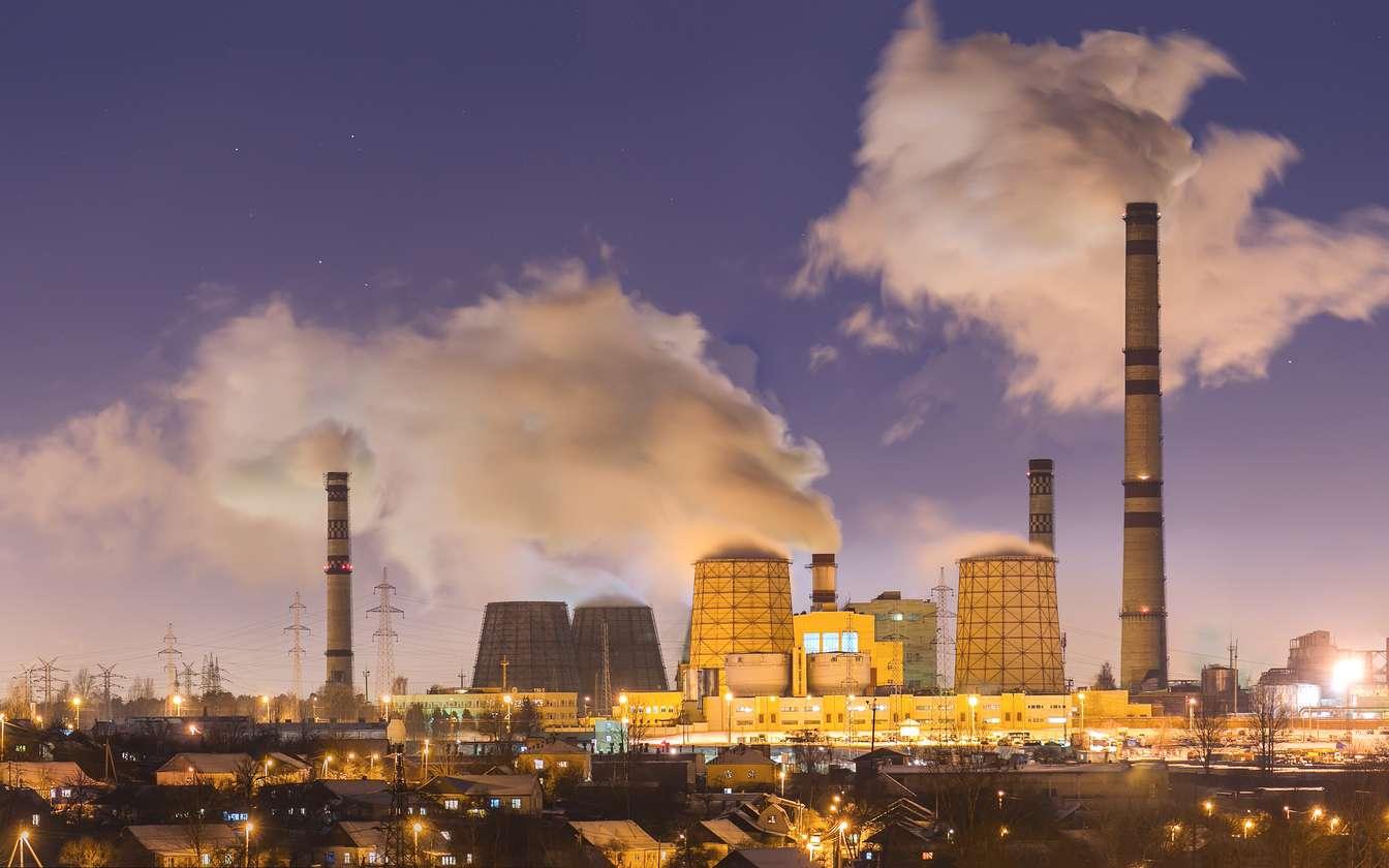 Le secteur industriel émet beaucoup de gaz à effet de serre dans l'atmosphère. À noter que les oxydes d'azote et le méthane sont majoritairement émis par l'activité agricole. © weise_maxim, Fotolia