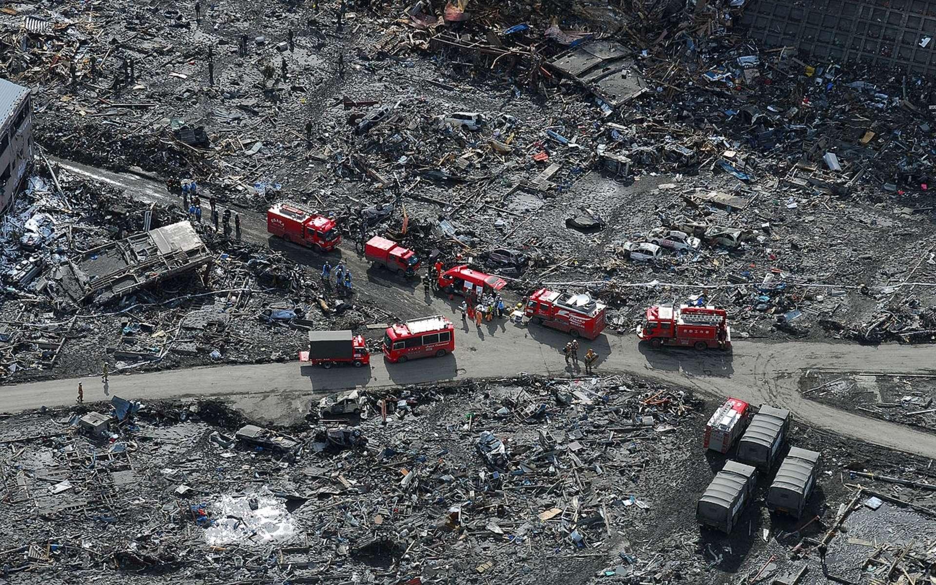 Les dégâts causés par le séisme et le tsunami de 2011 au Japon. © U.S. Navy, photo by Mass Communication Specialist 3rd Class Dylan McCord, Public domain, Wikimedia Commons