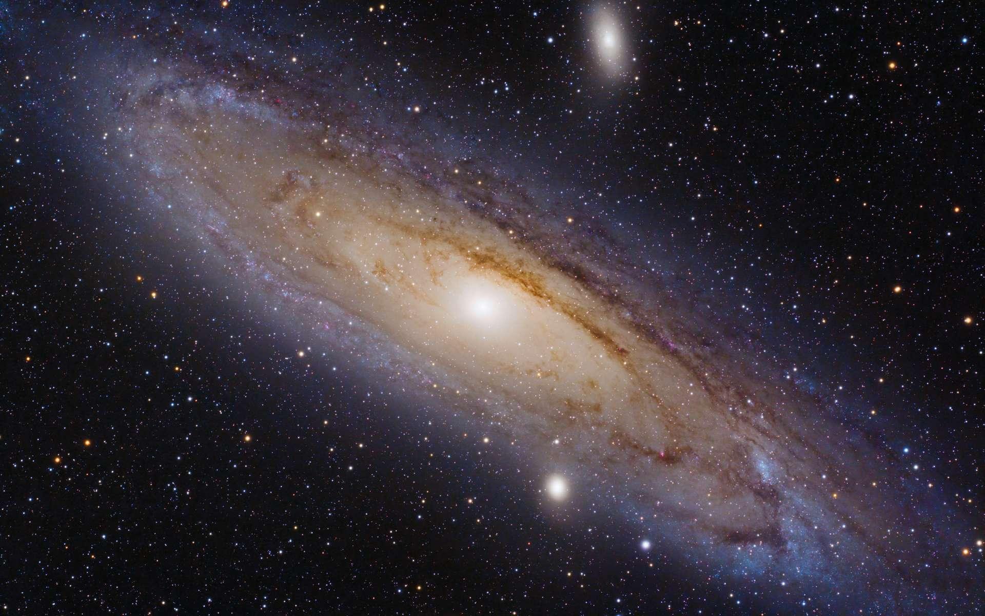 La fameuse galaxie d'Andromède ou M31 a été la première galaxie spirale où Vera Rubin a dressé une courbe de la vitesse de rotation des étoiles en fonction de la distance avec le centre. Des courbes similaires se sont révélées anormales. © Lorenzo Comolli