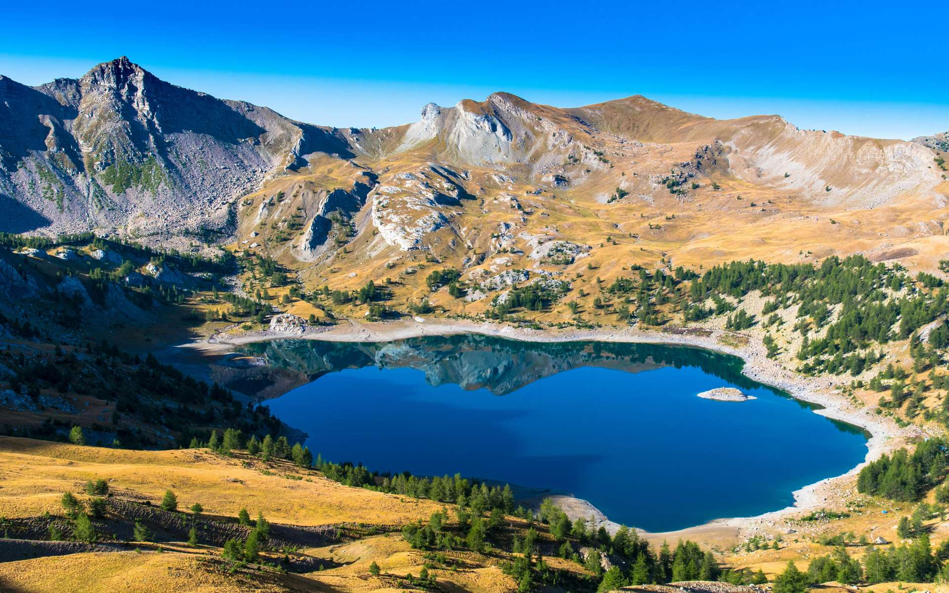 Le parc du Mercantour accueille chaque année plus de 800.000 touristes. © Gilles Ehrmann, Adobe Stock