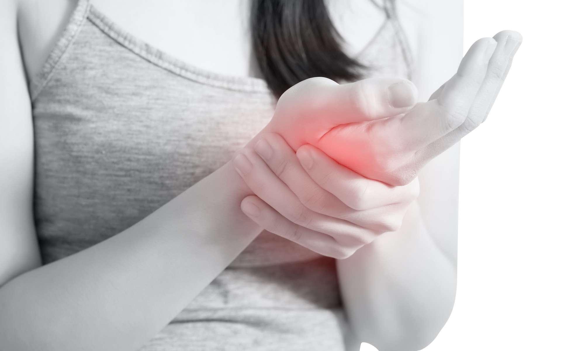 L'algodystrophie est une des principales complications en chirurgie de la main et du poignet. © chatchai, Adobe Stock