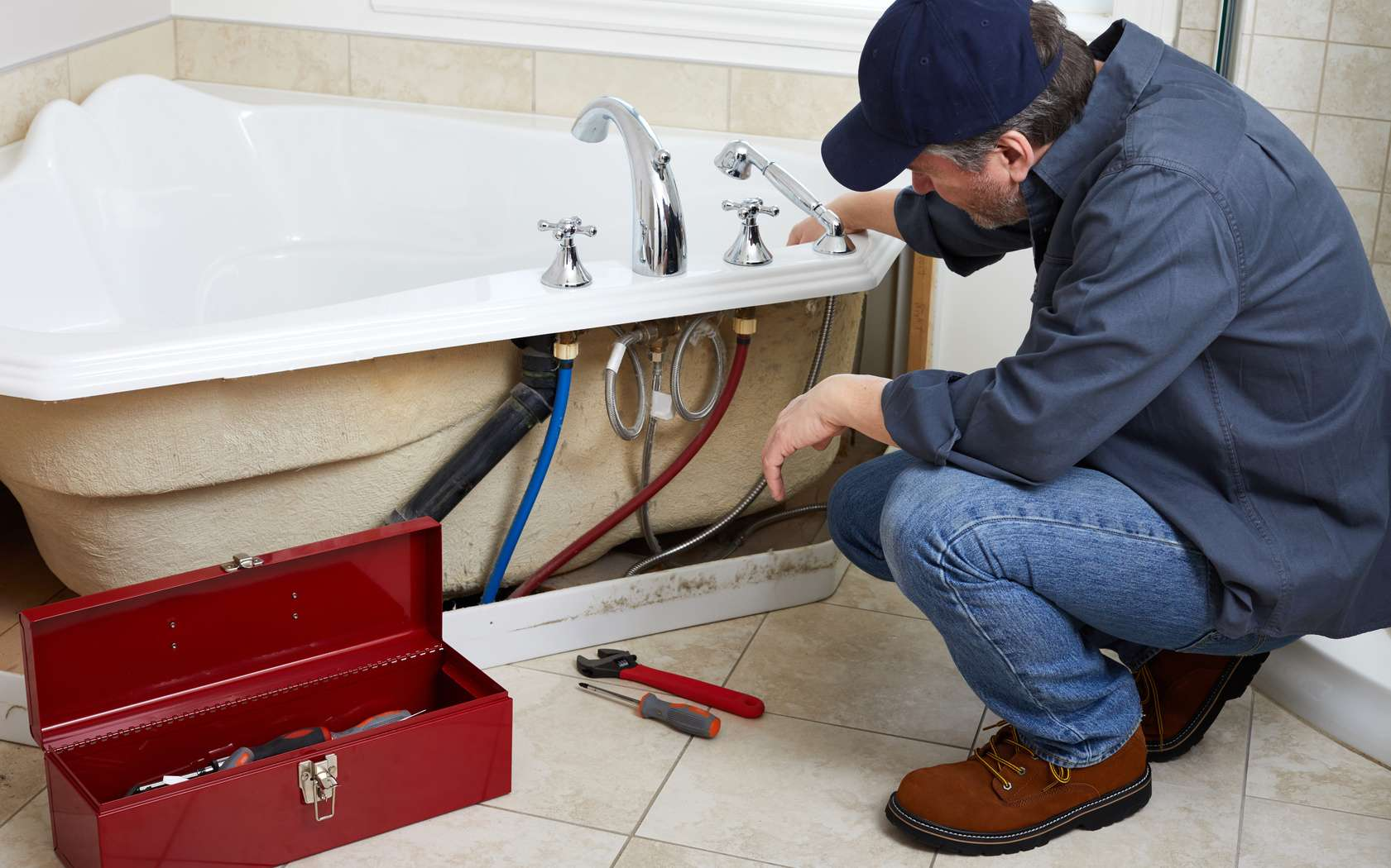 Il est possible de rénover une salle de bains à moindres frais. © Kurhan, fotolia