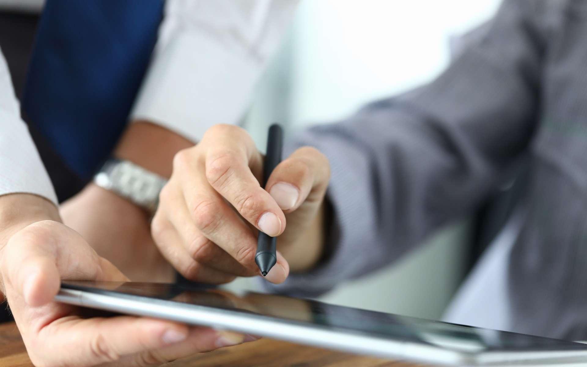 L'intérêt, pour les TPE et PME, de passer à la signature électronique. © H_Ko, Adobe Stock