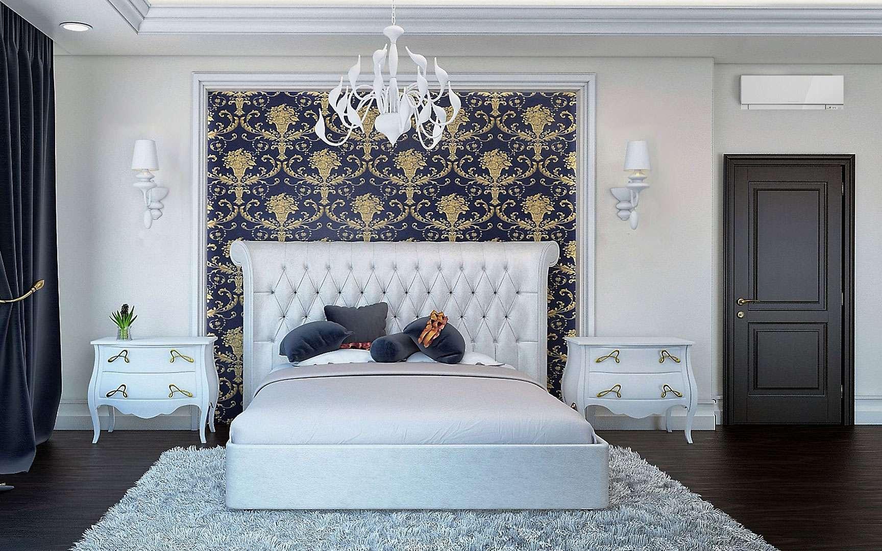 On a coutume de dire que la tête de lit est l'un des principaux éléments de décoration d'une chambre à coucher. Et c'est plus que jamais le cas ici. Une tête de lit capitonnée doublée de motifs princiers dorés sur fond bleu roi pour un style baroque. Le tapis à poils longs — et aux indispensables reflets argentés — ajoute à l'élégance du lieu tout en lui assurant une touche chaleureuse. Il sera assurément difficile à entretenir — si vous n'investissez pas dans un râteau à tapis —, mais quel plaisir d'y poser ses pieds nus au petit matin… © VABo2040, Pixabay, CC0 Creative Commons