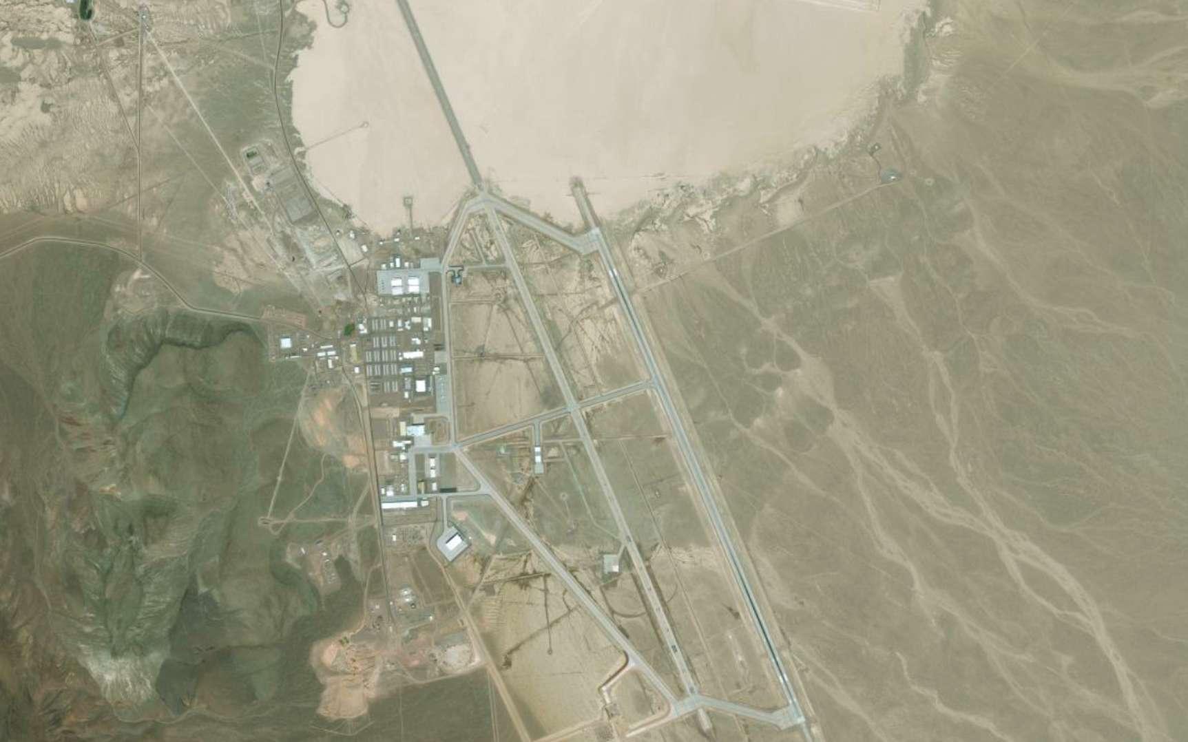 La base militaire de Groom Lake, dans le Nevada, aussi appelée zone 51 ou Dreamland. © Apple Plans