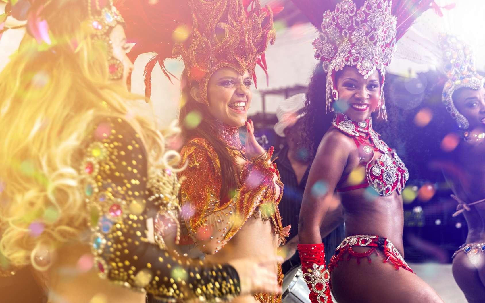 Le Carnaval de Rio au Brésil est le symbole mondial de la célébration du carnaval. © filipefrazao, fotolia
