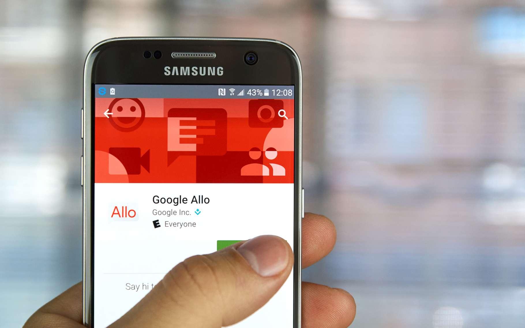 Depuis le 21 septembre, Google Allo est disponible pour les smartphones Android et iOS. © dennizn, shutterstock
