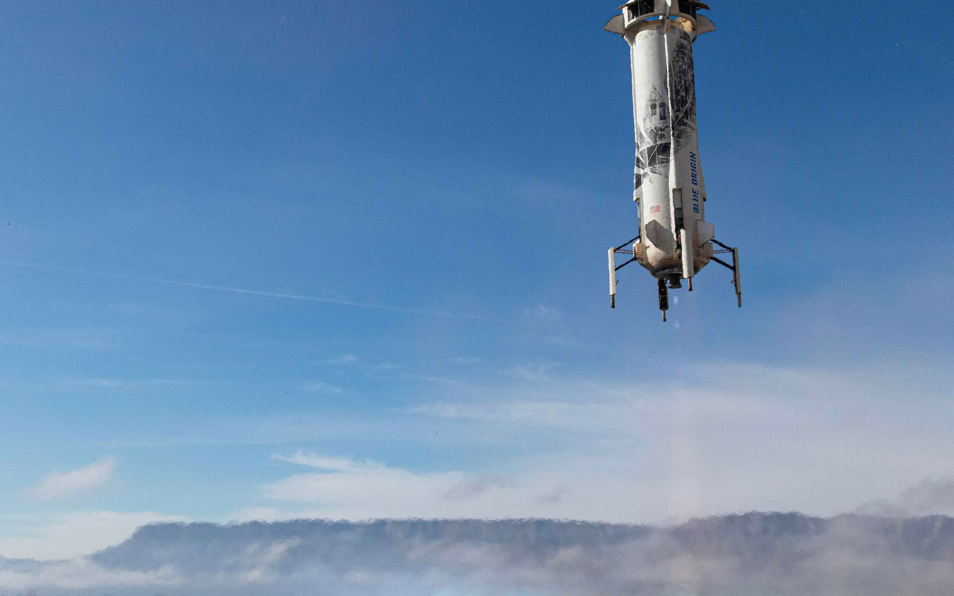 Le New Shepard en phase d'atterrissage lors de sa sixième mission consécutive, en décembre 2019. © Blue Origin