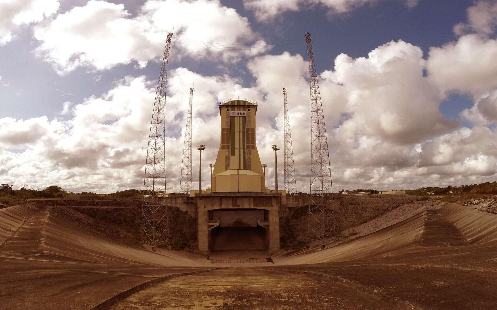 Emplacement de la Base de lancement de Soyuz en Guyane (2003). Cette Base se situe à une vingtaine de kilomètres à vol d'oiseau des installations au sol dédiées à Ariane 5 (ELA-3) sur le territoire de la commune de Sinnamary. Le site couvre une superficie d'environ 120 hectares et près de 20.000 m² d'infrastructures seront construites. Crédits Esa/S. Corvaja
