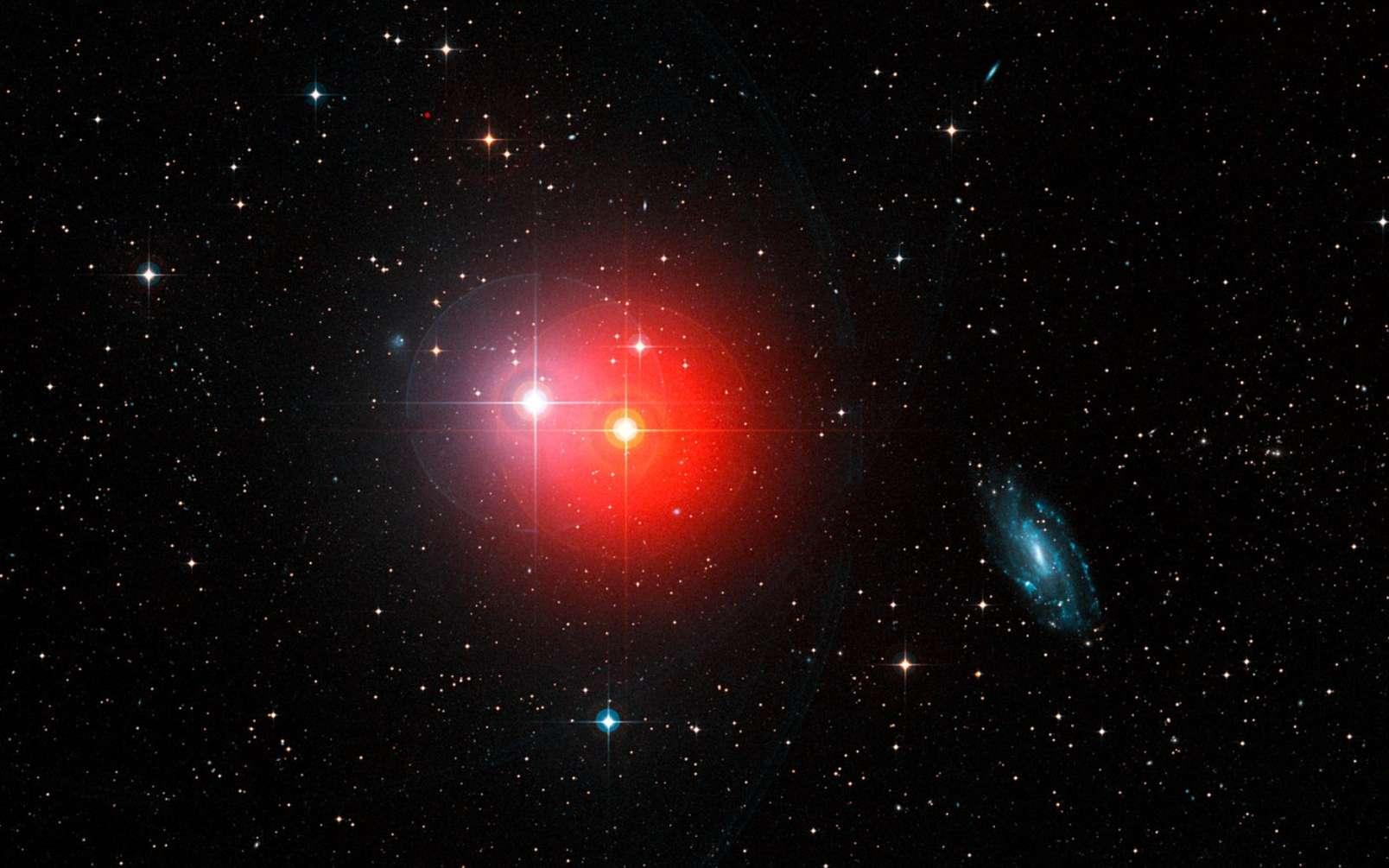 La géante rouge π1. Cette étoile énorme, en fin de vie, est en train de se dilater. ©