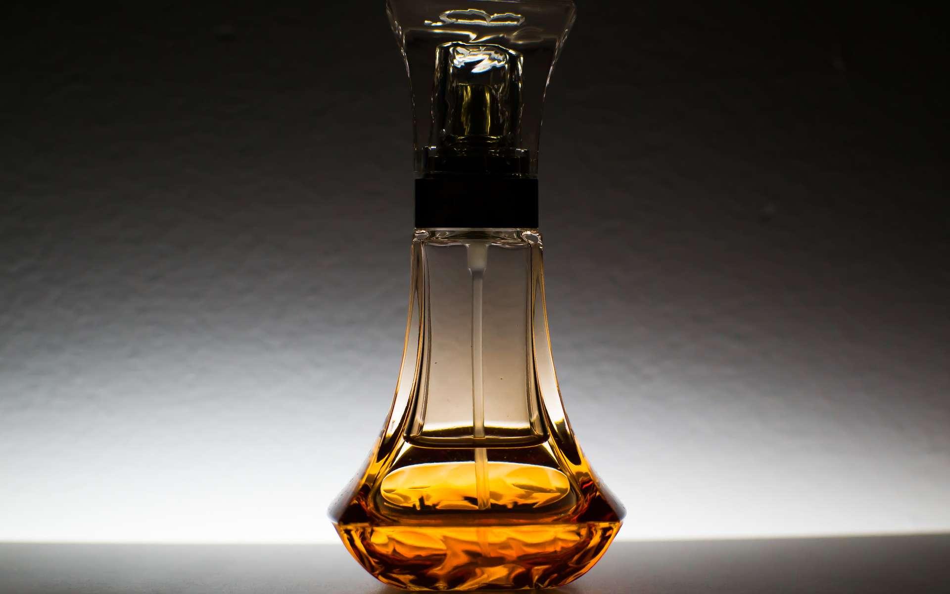 Les composés aromatiques doivent leur nom à leur odeur caractéristique. Ces substances sont très utilisés dans les parfums. © Pexels