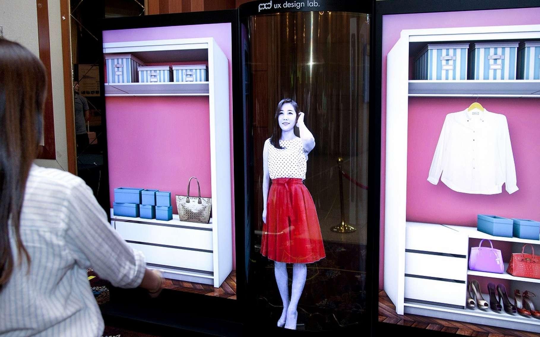 L'écran Oled flexible et transparent de LG Display devrait dans un premier temps servir pour de l'affichage publicitaire. © LG Display