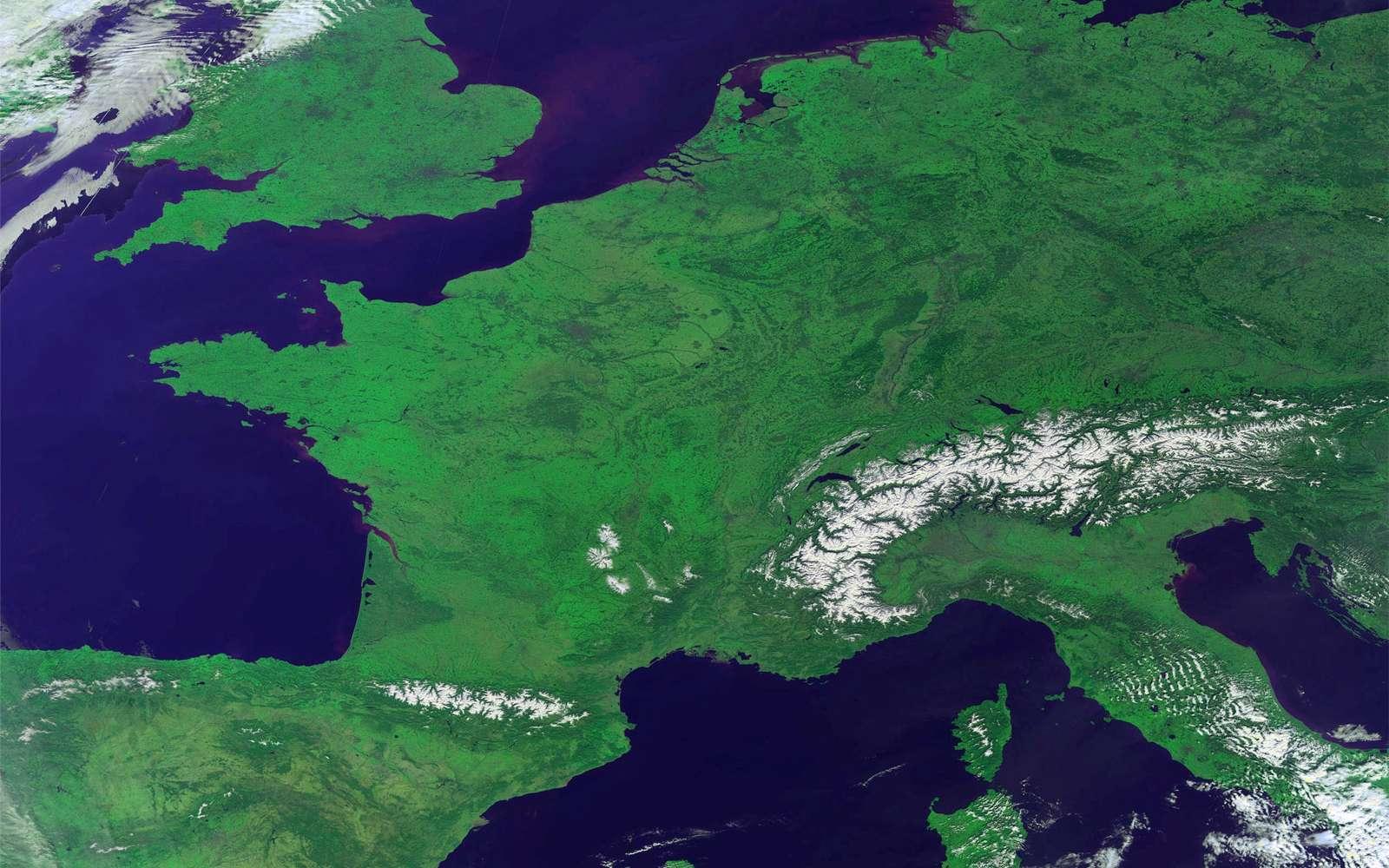 La partie occidentale de l'Europe sans nuage. Cette photo a été acquise le 9 mars par le petit satellite Proba-V de l'Agence spatiale européenne. © Esa/Vito
