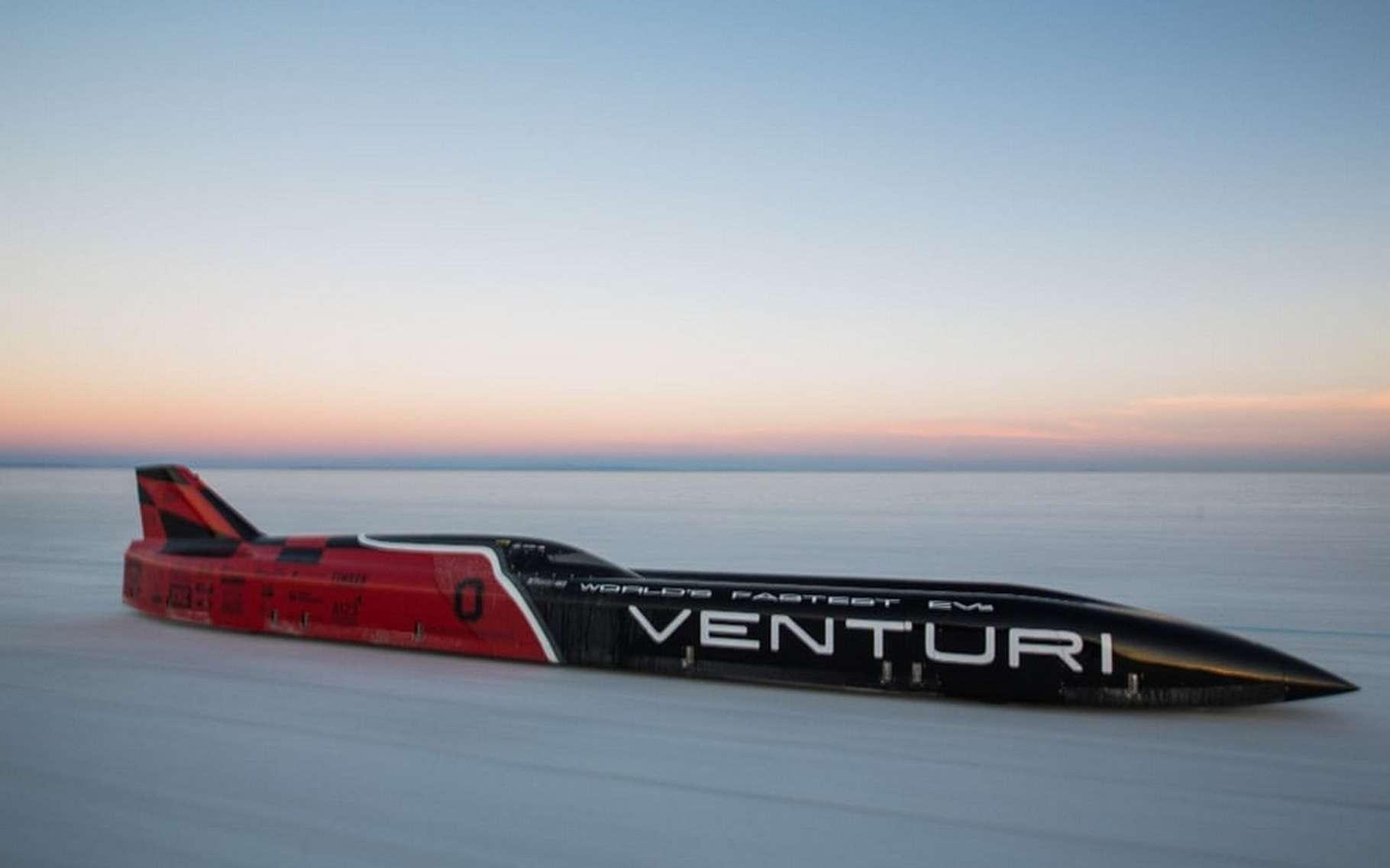 La Venturi VBB-3 compte bien rejoindre le cercle très fermé des voitures ayant atteint les 400 mph soit 644 km/h. © Venturi Automobiles