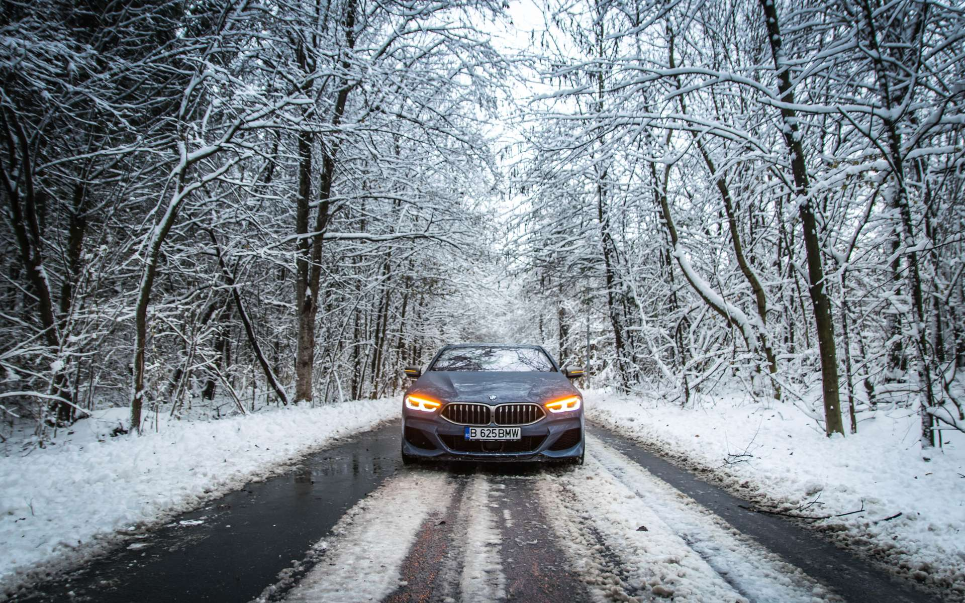 Batterie qui se charge mal, chauffage qui pompe de l'énergie... Les voitures électriques n'aiment pas le froid. © Gabriel Nica/500px.com