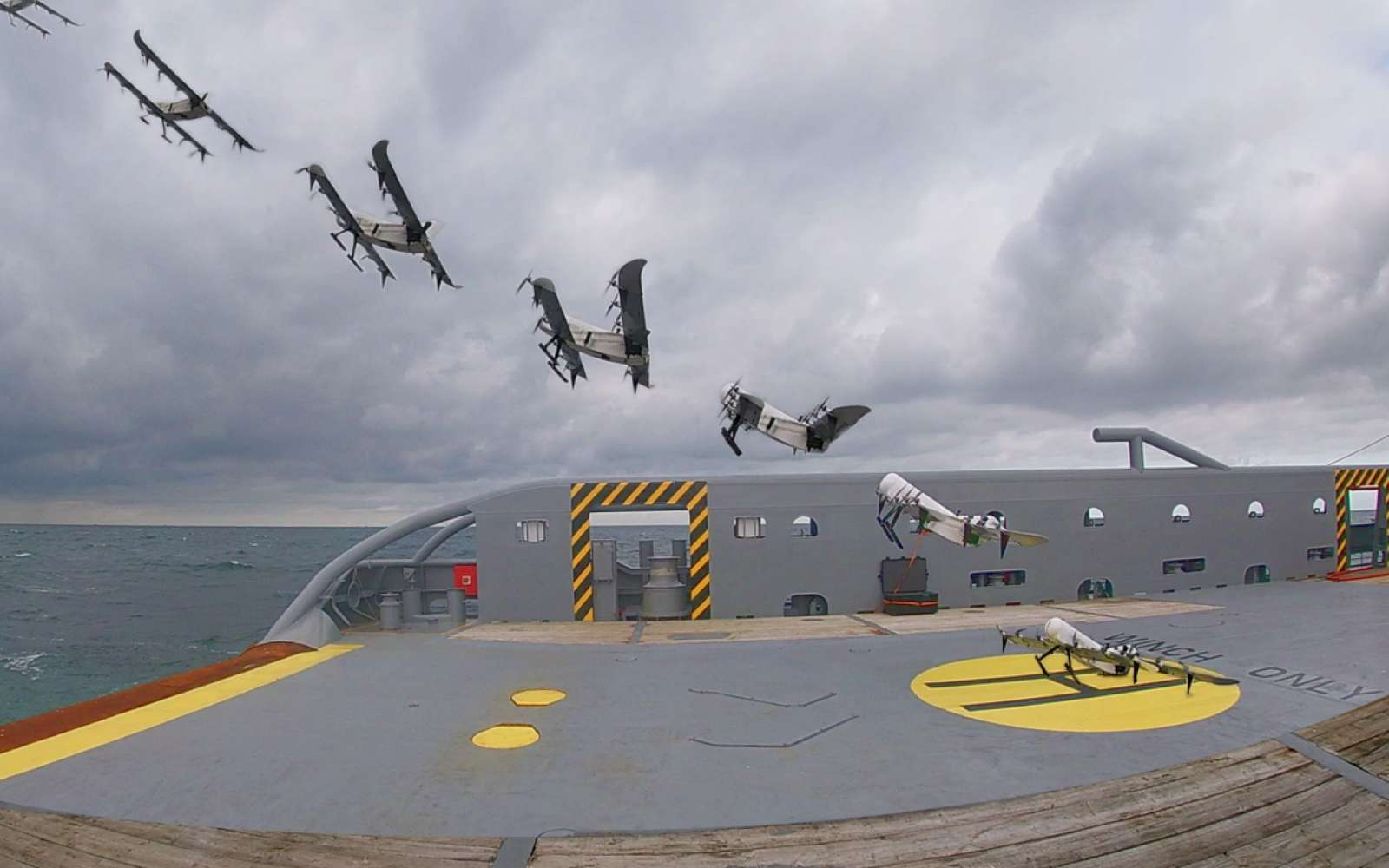 Apponter ou décoller sur un navire en mouvement est l'un des exercices les plus difficiles à réaliser avec un drone. © MAVLab TU Delft