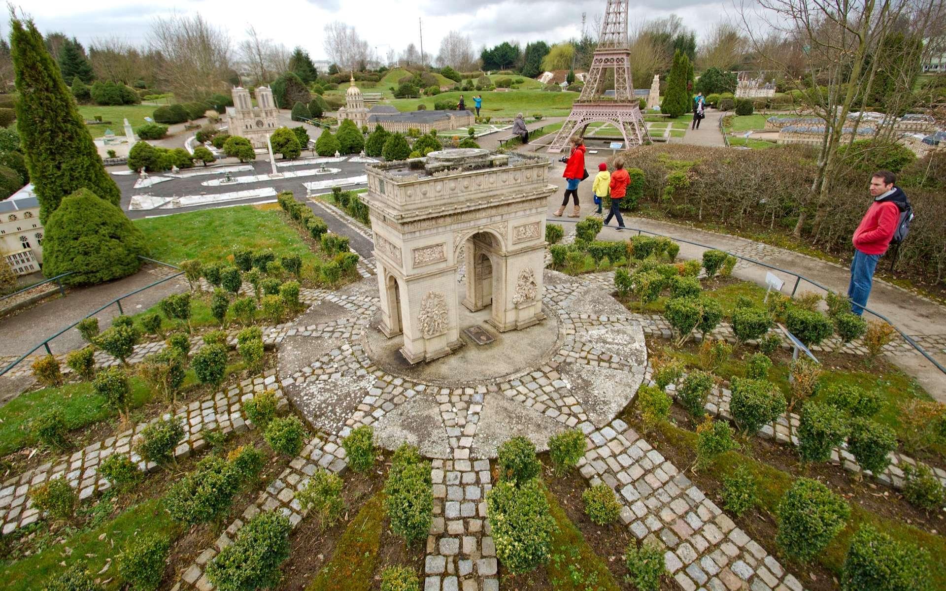 Les parcs d'attractions en Ile-de-France offrent des univers différents pour contenter tous les goûts. Ici, le parc France Miniature, dans les Yvelines. © Frédéric Bisson, Wikimedia Commons, CC by-sa 2.0