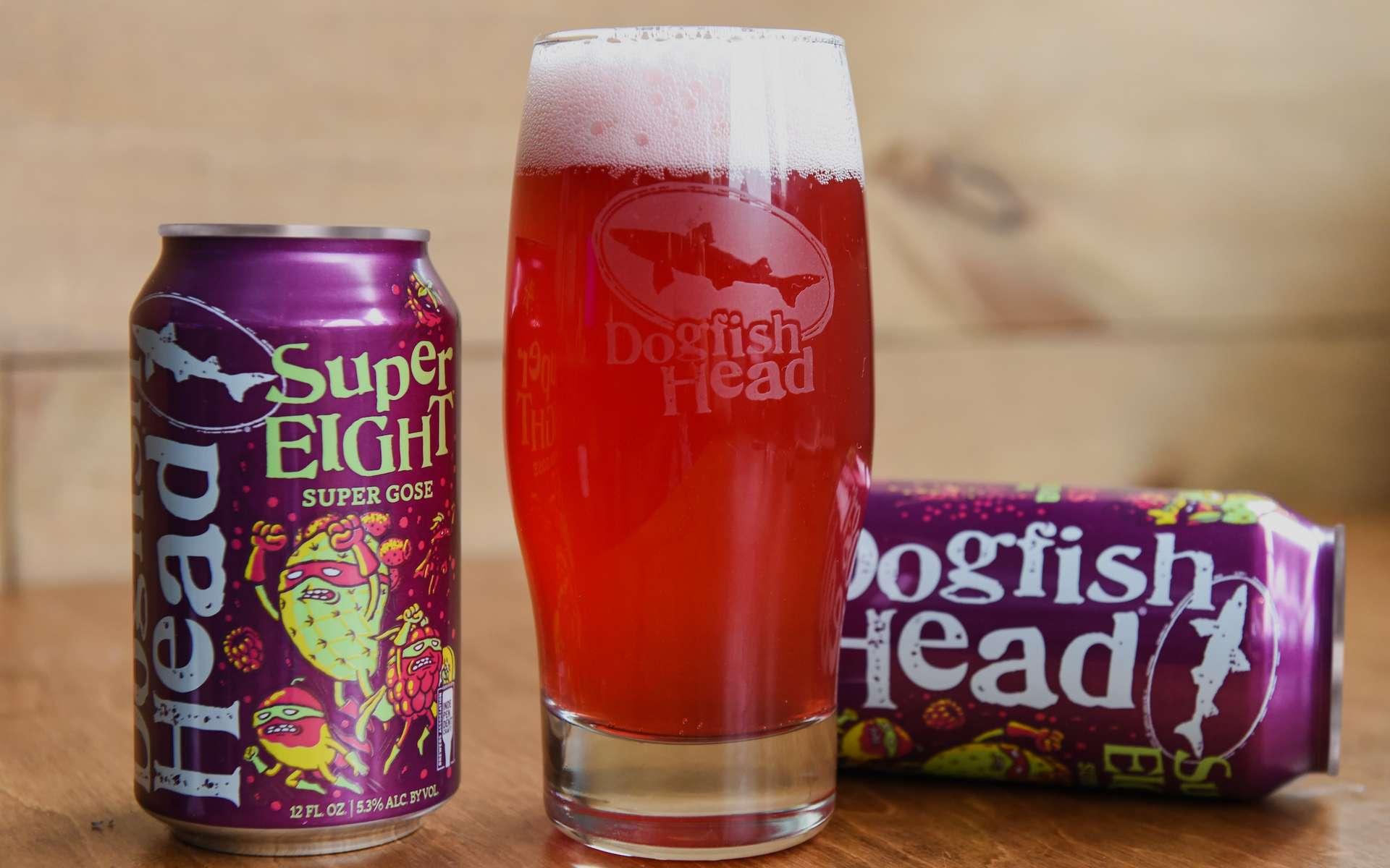 La bière SuperEight est aromatisée aux fruits exotiques et aux baies rouges. © Dogfish