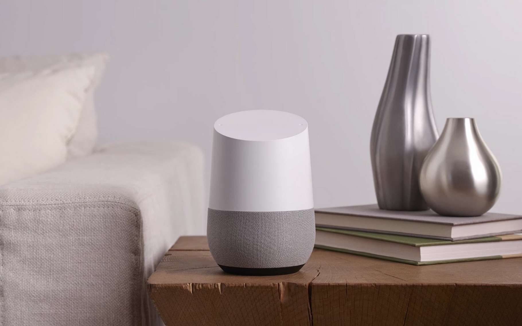 Google Home, l'enceinte connectée de Google. © Google