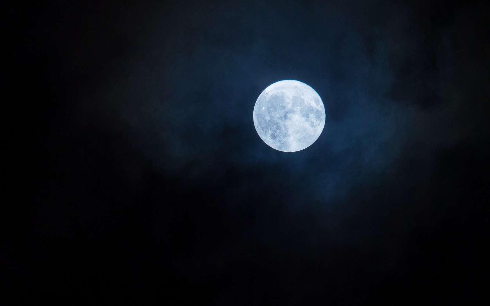 La Pleine Lune du 31 janvier sera-t-elle vraiment bleue? © yanlev, fotolia