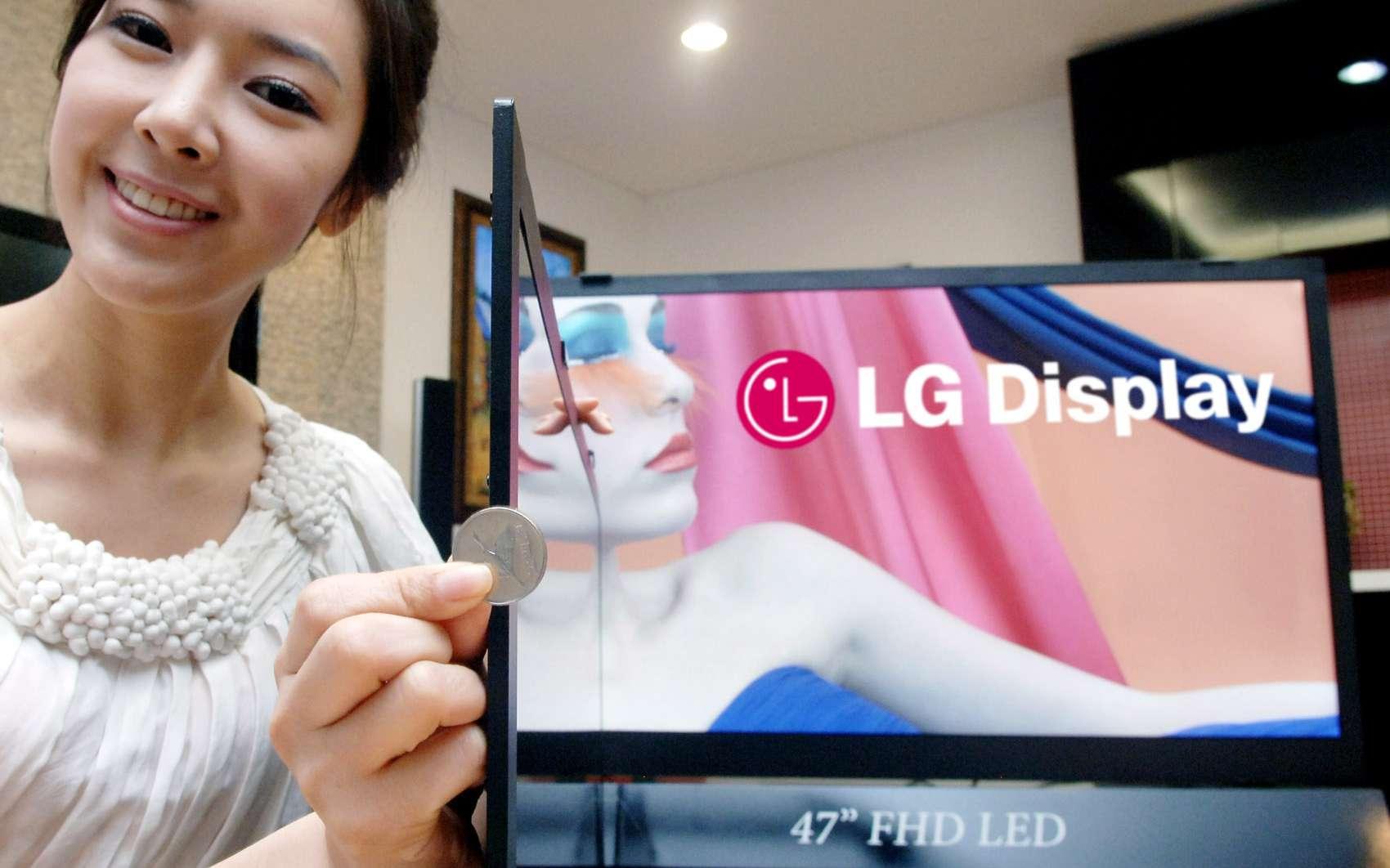 Des téléviseurs de moins de 6 mm d'épaisseur chez LGUn téléviseur aussi fin qu'un tableau. A accrocher au mur... © DR