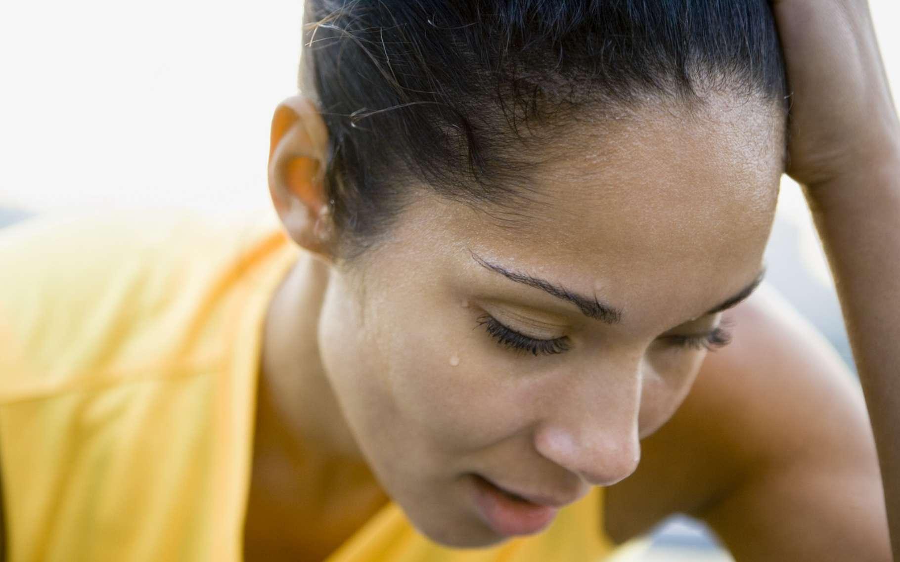 Dans les situations de stress, la transpiration est fréquente. © Alan Bailey, Shutterstock