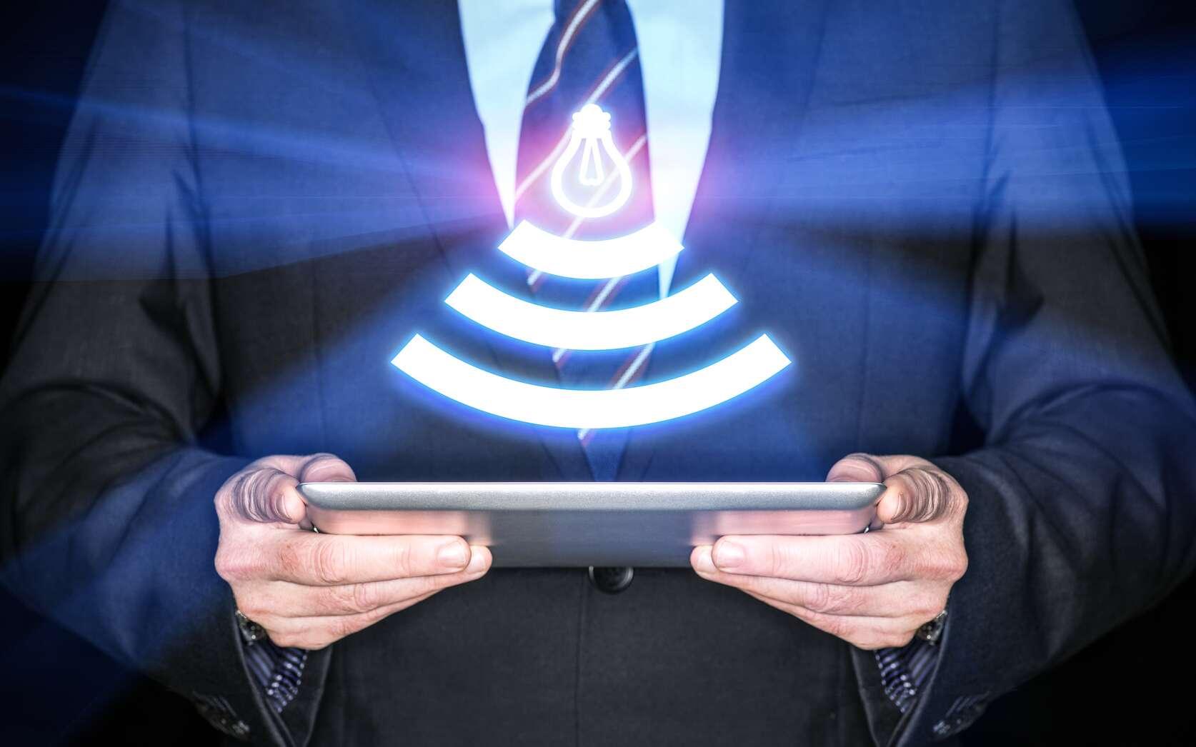 La technologie de transmission sans fil Li-Fi repose sur l'éclairage LED. Elle consiste à utiliser la modulation de lumière à haute fréquence pour coder et transmettre des informations. Le Li-Fi a fait son apparition il y a une dizaine d'années à la faveur du développement des ampoules LED. © Mike Deal, Flickr, CC by-nd 2.0