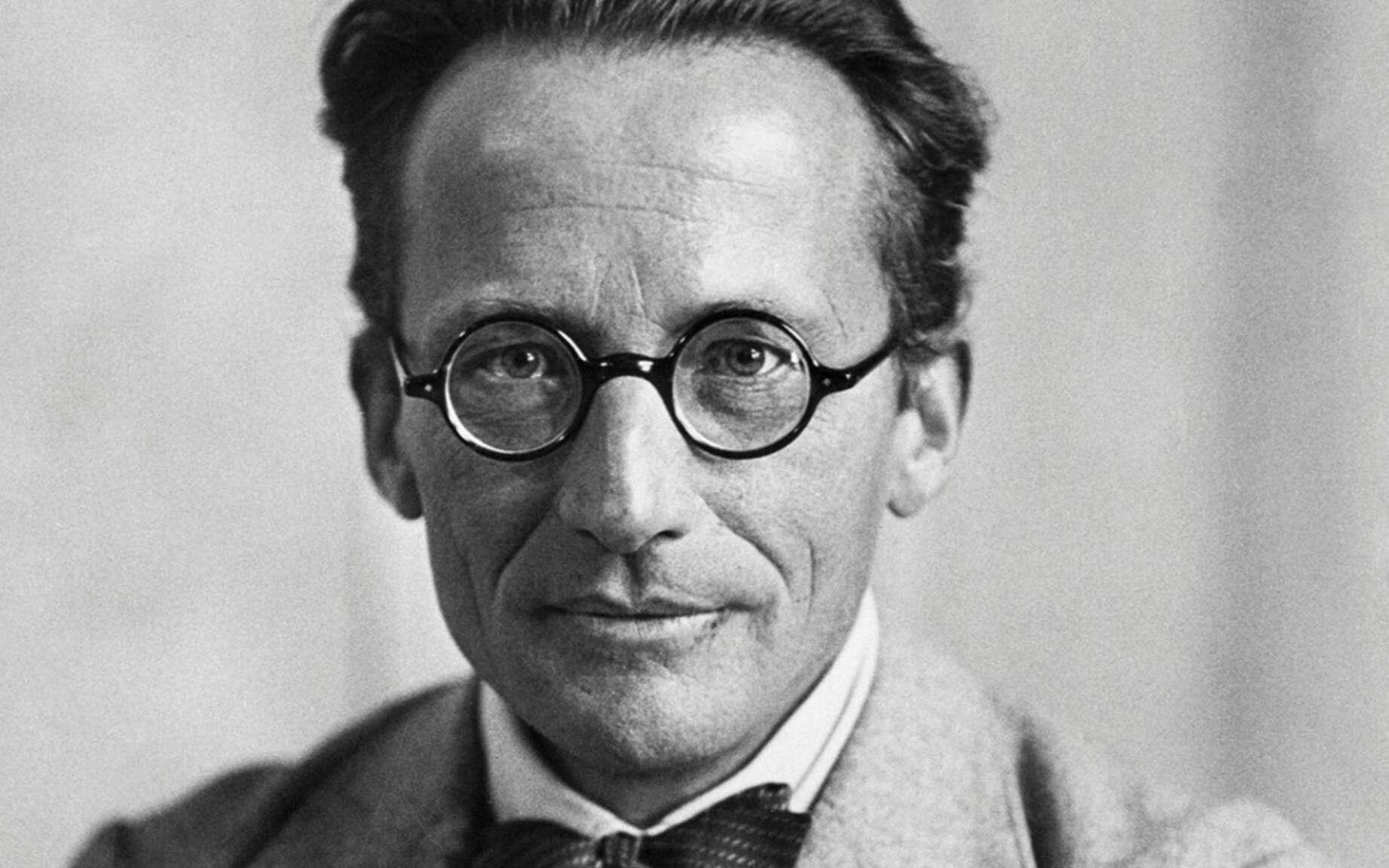 L'un des pères de la mécanique quantique, le prix Nobel de physique Erwin Schrödinger. Sa mécanique des ondes de matière gouvernées par l'équation portant son nom a permis de comprendre les propriétés des atomes et des molécules. Il a découvert avec Einstein, en 1935, le phénomène d'intrication quantique impliqué par son équation. © Bettmann, Corbis