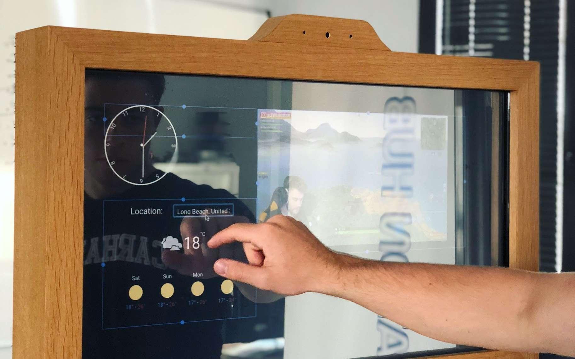 Le miroir connecté uReflect est entièrement personnalisable grâce à son interface open source. © uReflect
