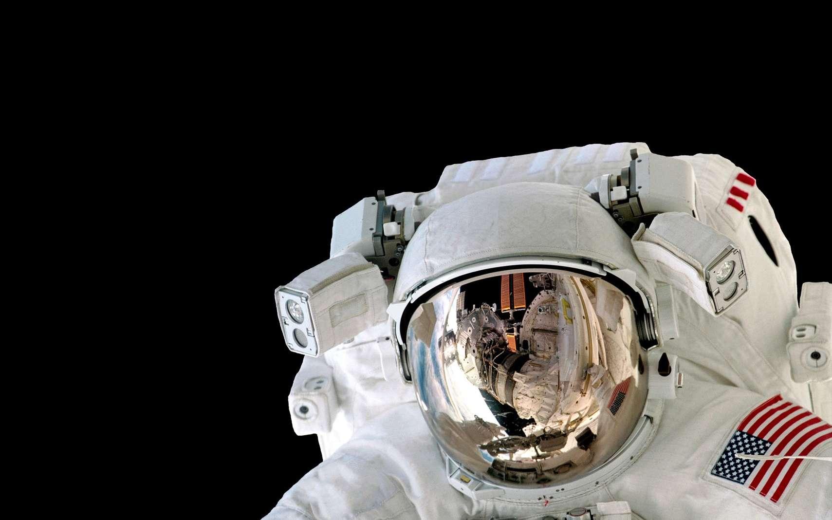 Au bout de deux mois et demi dans l'espace, les astronautes ont une température corporelle de 38 °C. © nikonomad, Fotolia