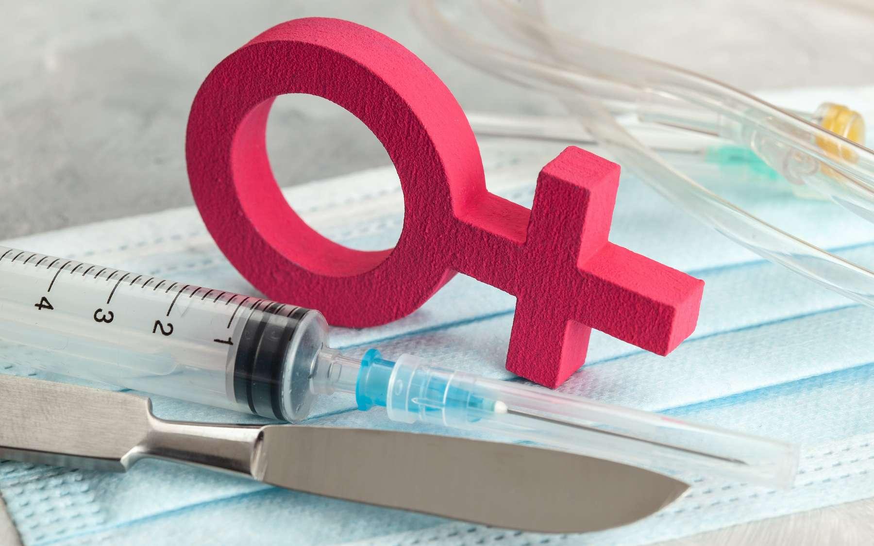 Les femmes souffrent davantage d'effets secondaires suite à l'injection du vaccin. © adragan, Adobe Stock
