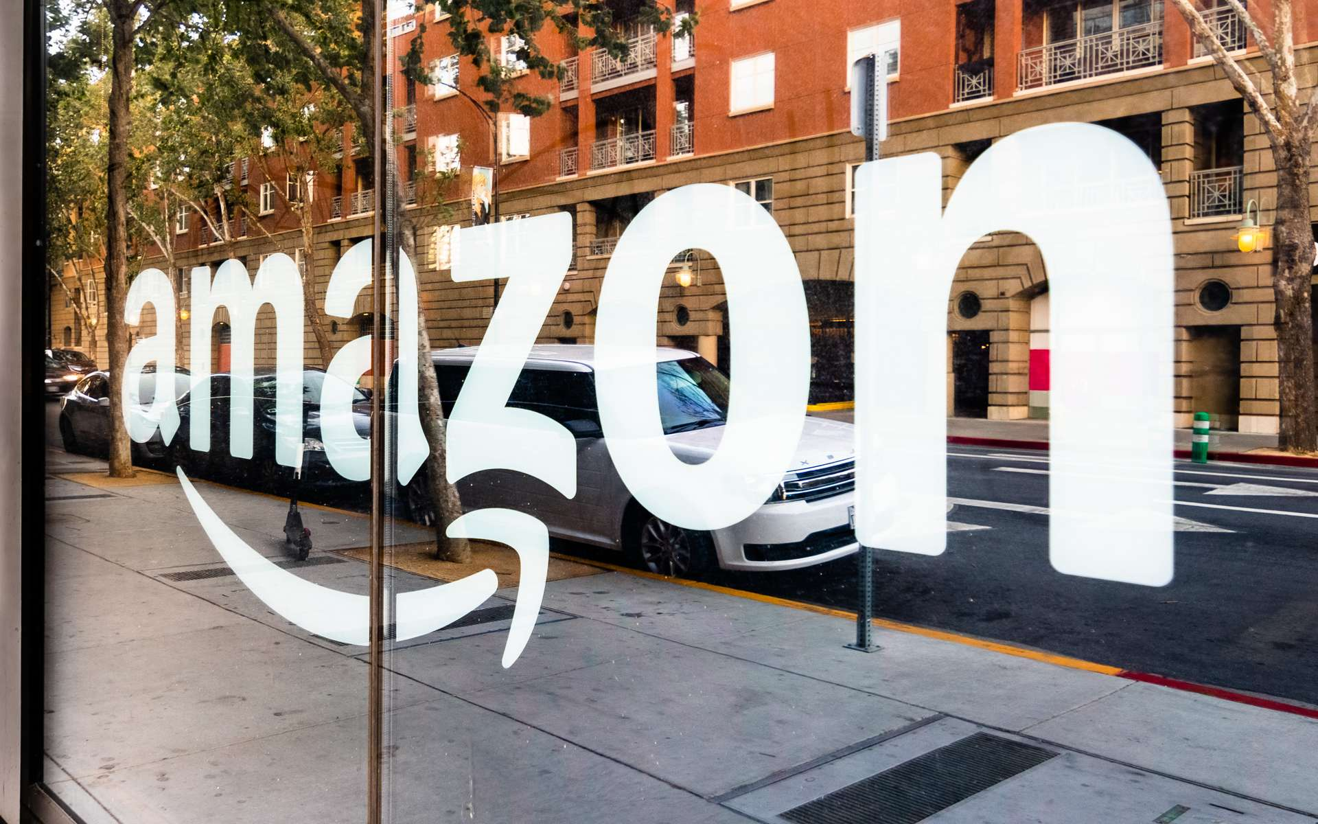 Amazon vient d'obtenir l'accord pour intégrer le radar à ses produits aux États-Unis. © SundryPhotography, Adobe Stock