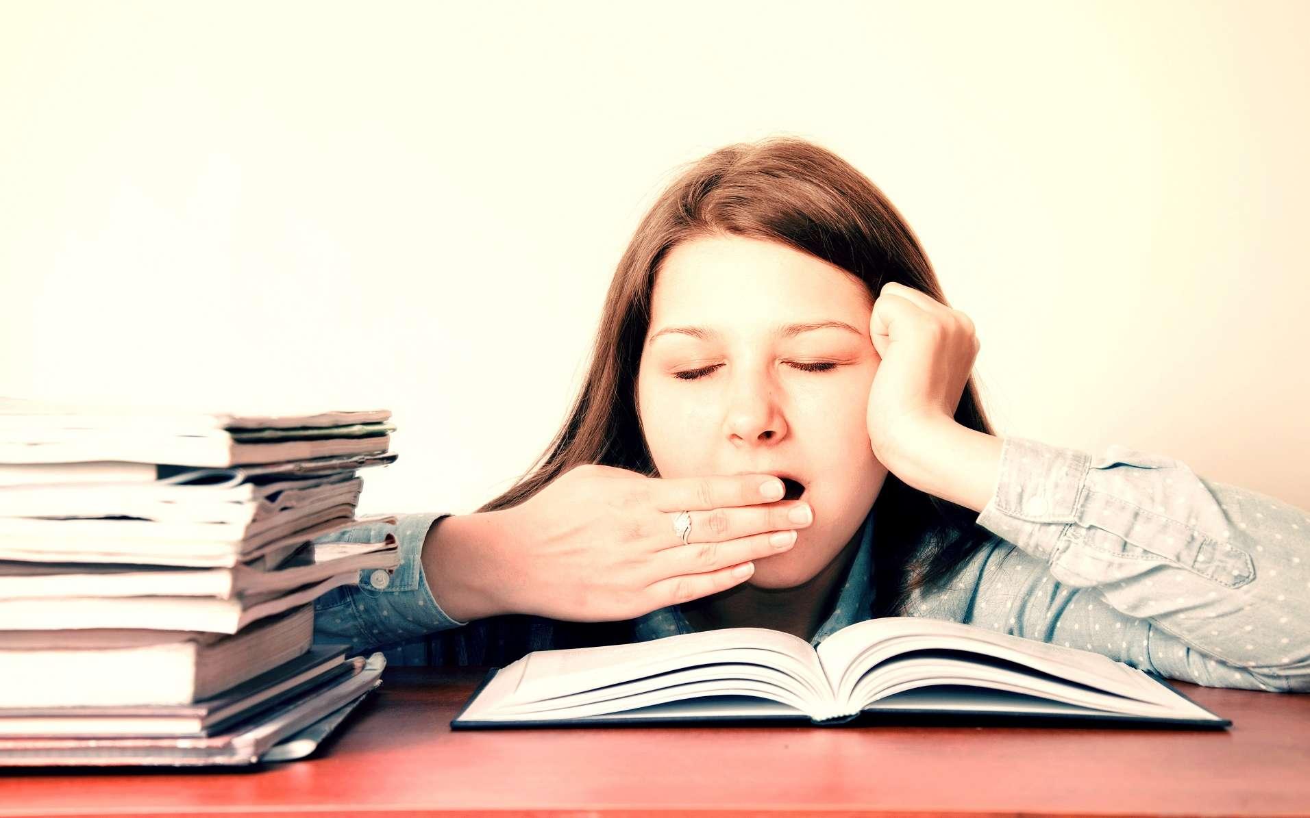 Le bâillement est signe de fatigue. © Milosz Aniol, Shutterstock
