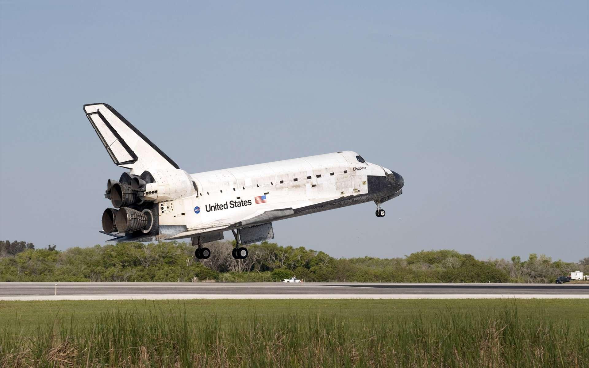 Retour sur Terre de la navette Discovery après sa mission de 15 jours dans l'espace, en avril 2010 (STS-131). © Nasa