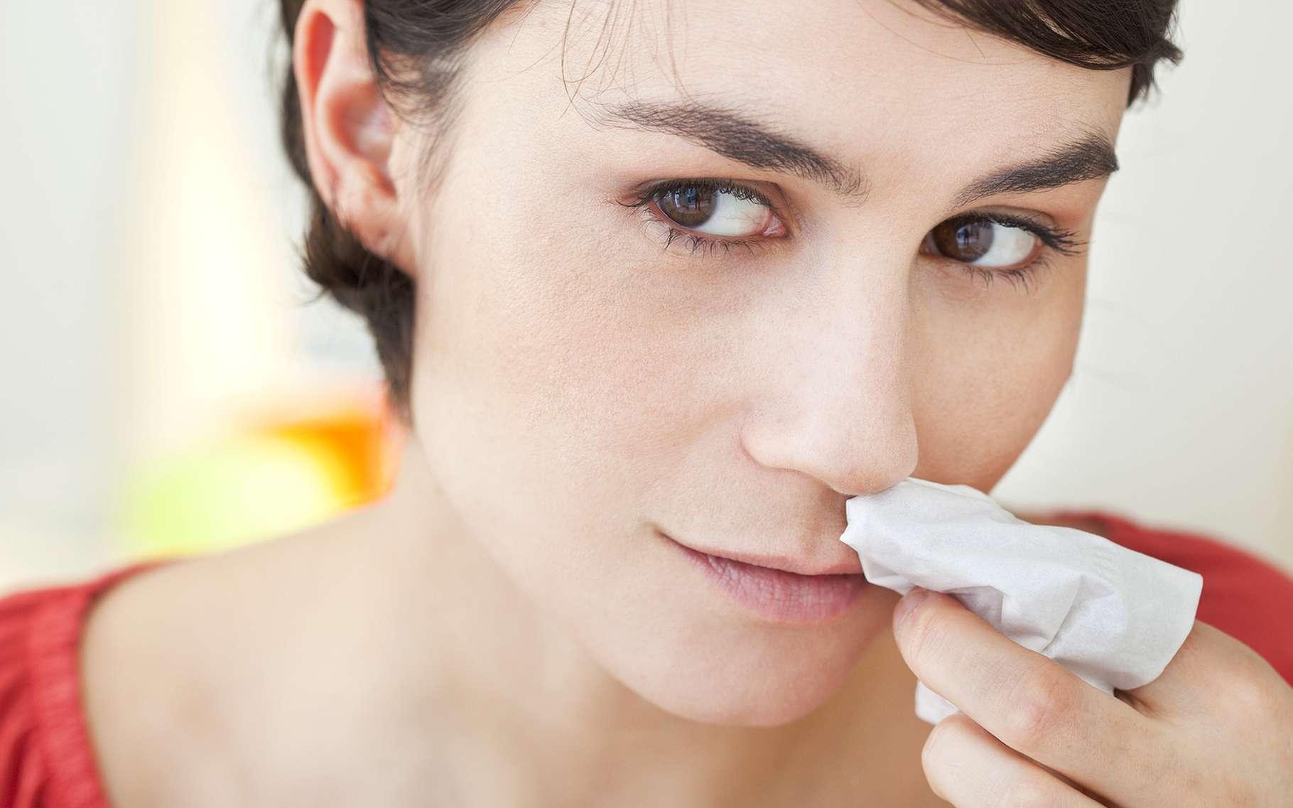 Le saignement de nez peut impressionner mais est généralement bénin. © Image Point Fr, Shutterstock