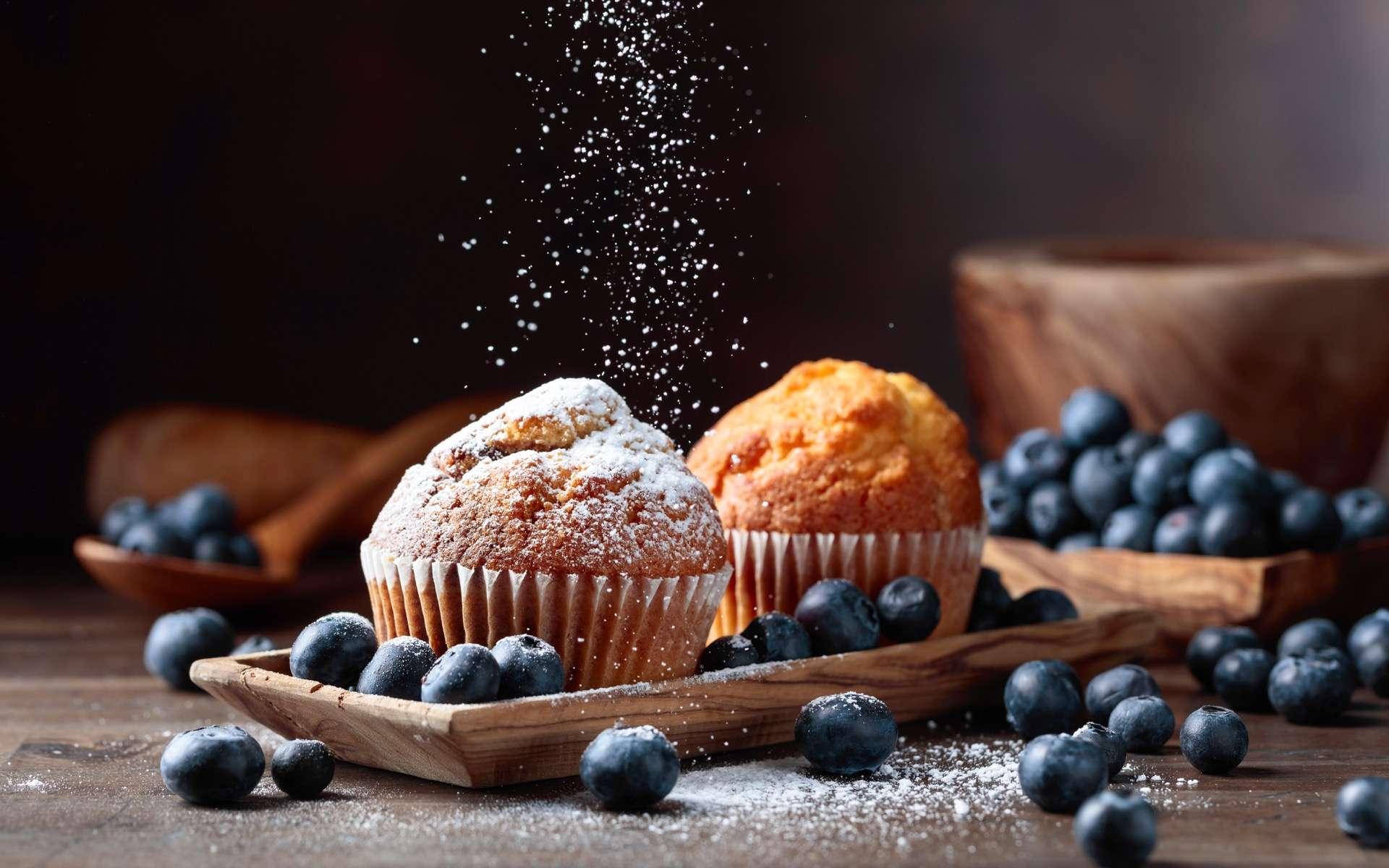 Découvrez-en plus sur votre microbiote intestinal en mangeant des muffins bleus. © Igor Normann, Adobe Stock