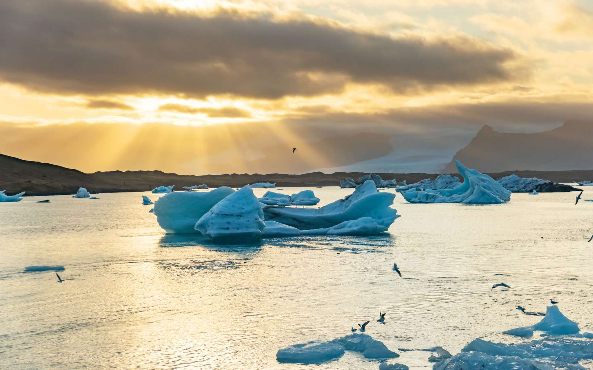 Les observations de cet hiver ont montré une diminution significative du contenu en ozone de la stratosphère durant plusieurs semaines, sur une large zone autour du Pôle Nord. © Kotangens, Adobe Stock